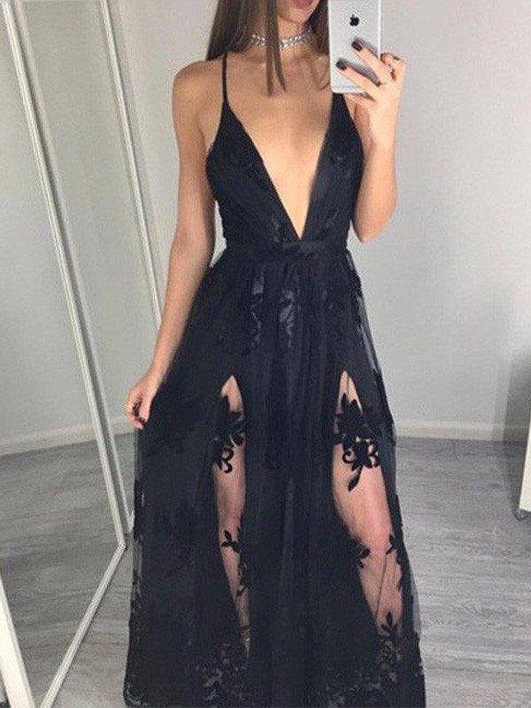 Floor-Length A-Line/Princess Sleeveless Spaghetti Straps Tulle Dresses With Applique