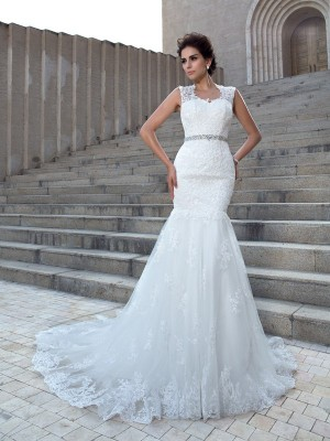 Trumpet/Mermaid V-neck Sleeveless Long Lace Wedding Dresses With Applique