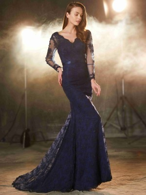 Sweep/Brush Train Trumpet/Mermaid V-neck Long Sleeves Lace Dresses With Applique