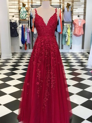 Charming A-Line/Princess V-neck Sleeveless Floor-Length Tulle Dresses With Applique