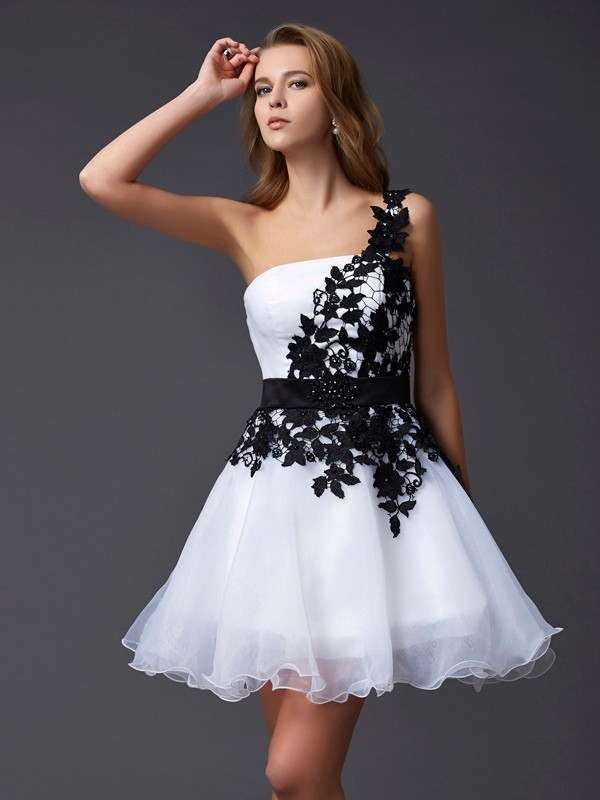A-Line/Princess Organza One-Shoulder Sleeveless Lace Short Dresses