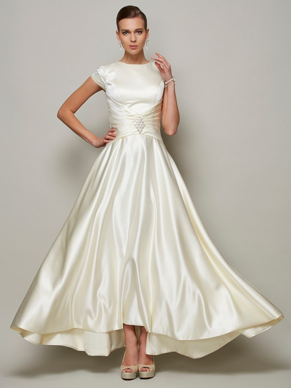 A-Line/Princess Scoop Satin Short Sleeves With Beading Long Mother of the Bride Dresses