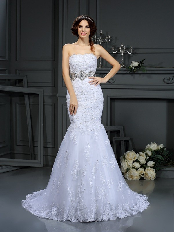 Strapless Trumpet/Mermaid Beading Sleeveless Long Lace Wedding Dresses
