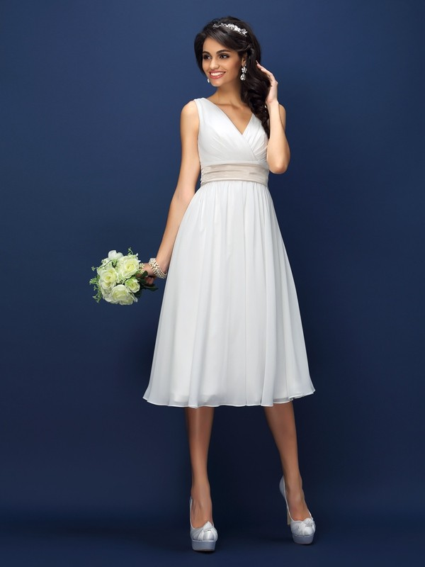 Chiffon A-Line/Princess V-neck Pleats Sleeveless Short Bridesmaid Dresses