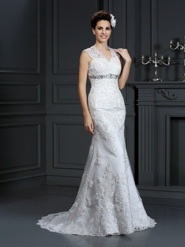 Sheath/Column Lace V-neck With Beading Sleeveless Long Wedding Dresses