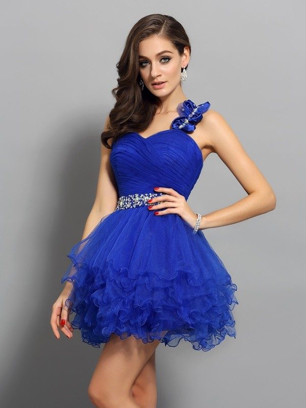A-Line/Princess One-Shoulder Organza Sleeveless Short Cocktail Dresses With Beading