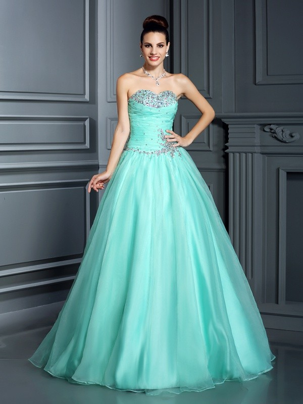Ball Gown Sweetheart Sleeveless Long Organza Quinceanera Dresses With Beading