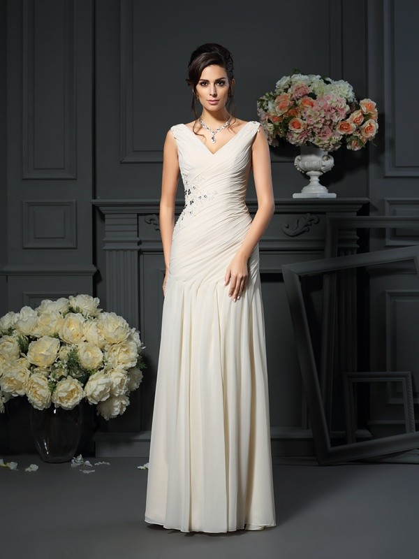 Chiffon Sheath/Column V-neck Sleeveless Long Mother of the Bride Dresses With Beading