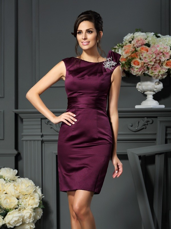 Sheath/Column Scoop Sleeveless Short Satin Mother of the Bride Dresses With Beading