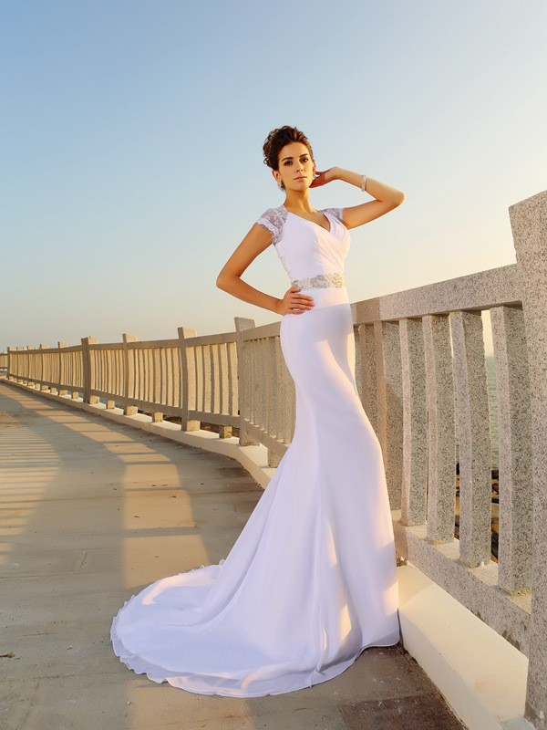 Sheath/Column V-neck Chiffon Sleeveless Long Beach Wedding Dresses With Beading