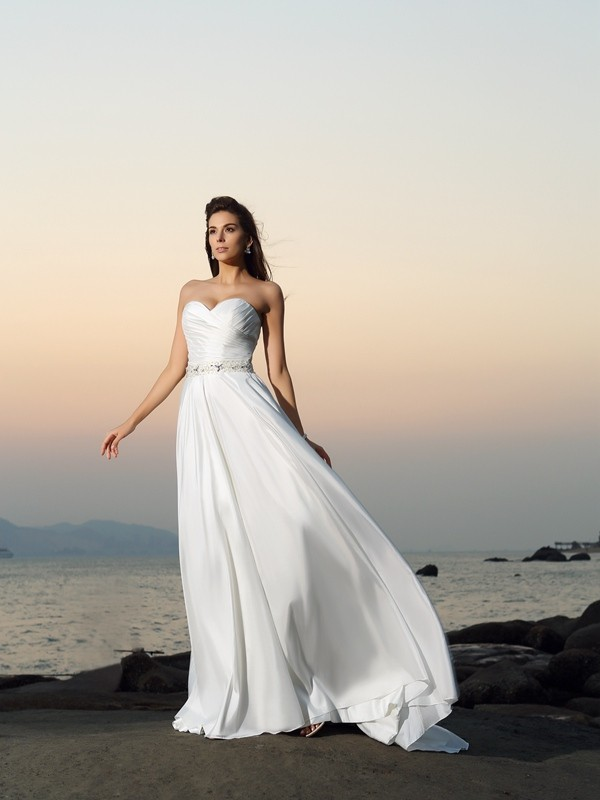 A-Line/Princess Sweetheart Sleeveless Long Taffeta Beach Wedding Dresses With Beading