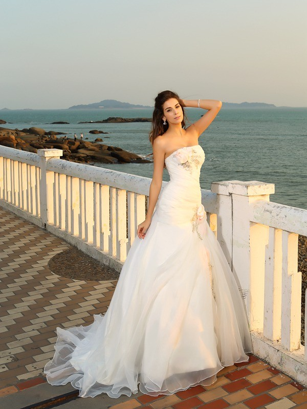 Ball Gown Strapless Sleeveless Hand-Made Flower Long Satin Beach Wedding Dresses