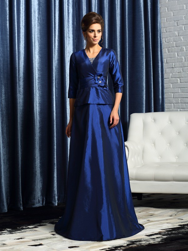 A-Line/Princess V-neck 1/2 Sleeves Long Taffeta Mother of the Bride Dresses With Beading