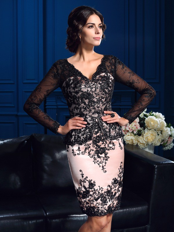 Sheath/Column V-neck Long Sleeves Short Lace Mother of the Bride Dresses With Applique
