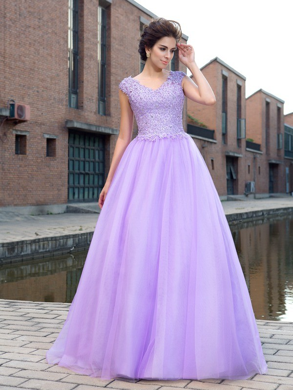 Flawless Ball Gown V-neck Short Sleeves Long Net Dresses With Applique