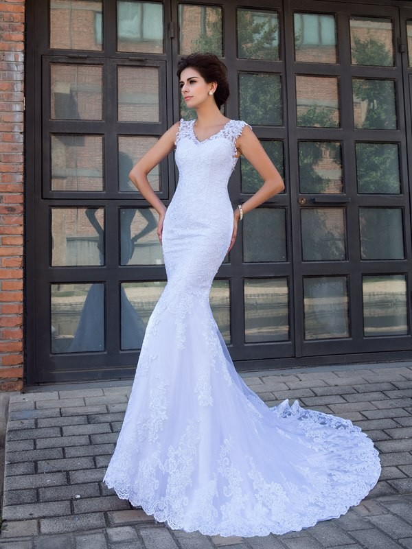 Trumpet/Mermaid V-neck Sleeveless Long Satin Wedding Dresses With Applique