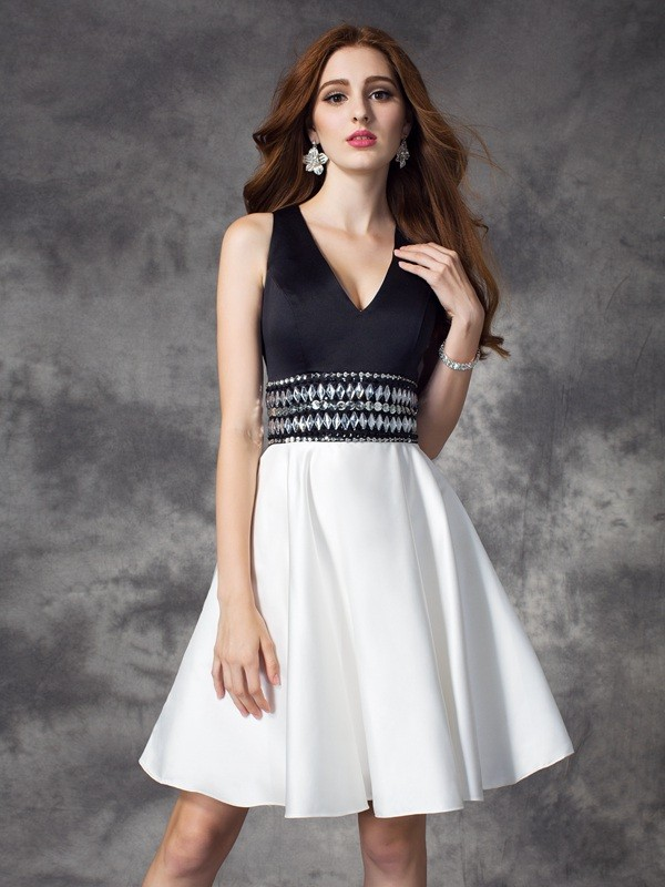 A-line/Princess V-neck Sleeveless Short Satin Dresses With Rhinestone