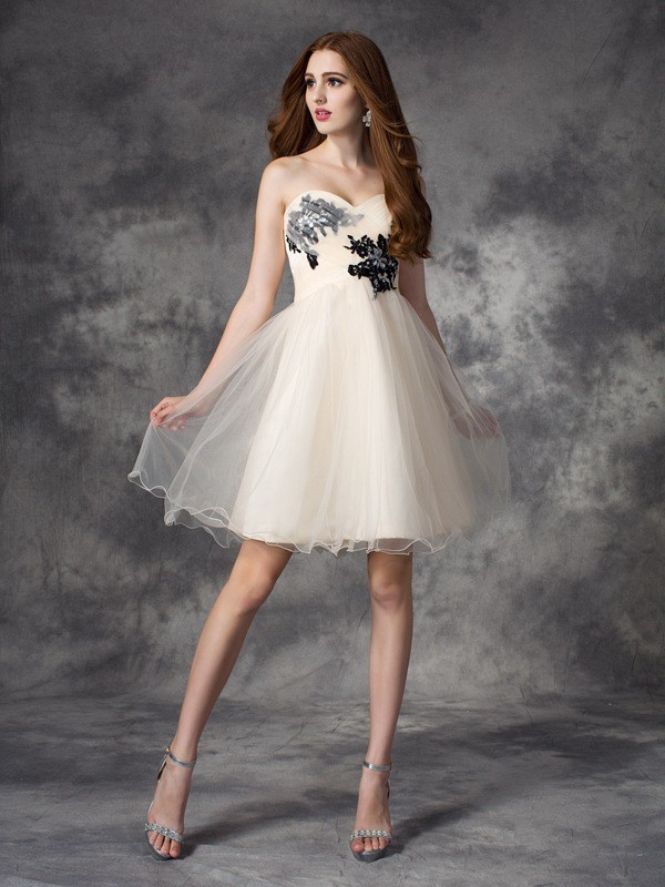 A-line/Princess Sweetheart With Applique Sleeveless Net Short/Mini Dresses