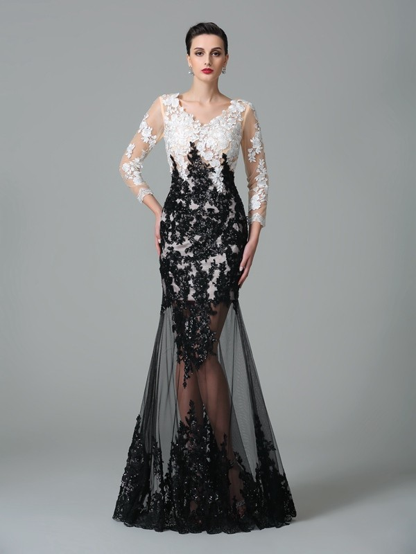 Graceful Sheath/Column Floor-Length V-neck Lace 3/4 Sleeves Net Dresses