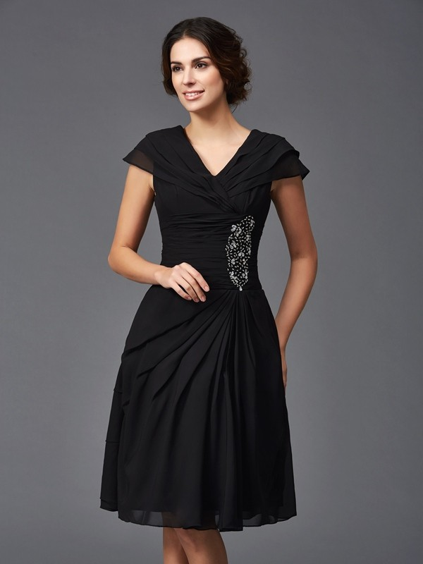 A-Line/Princess V-neck Sleeveless Short Chiffon Mother of the Bride Dresses With Beading