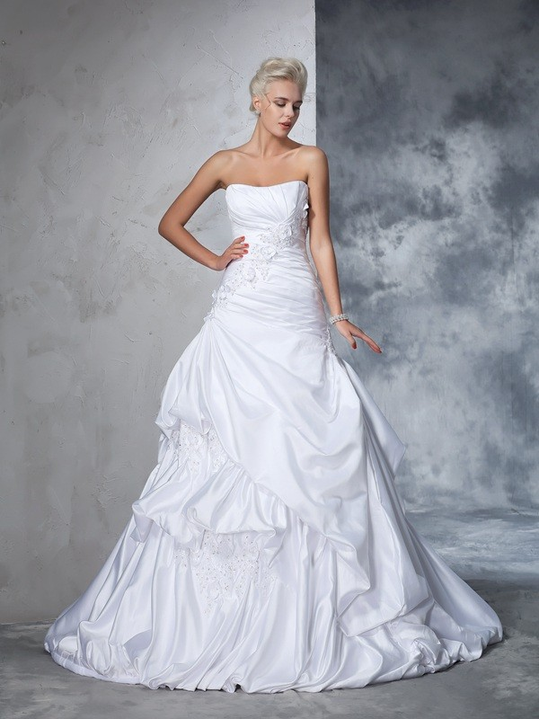 Ball Gown Strapless Sleeveless Long Satin Wedding Dresses With Applique