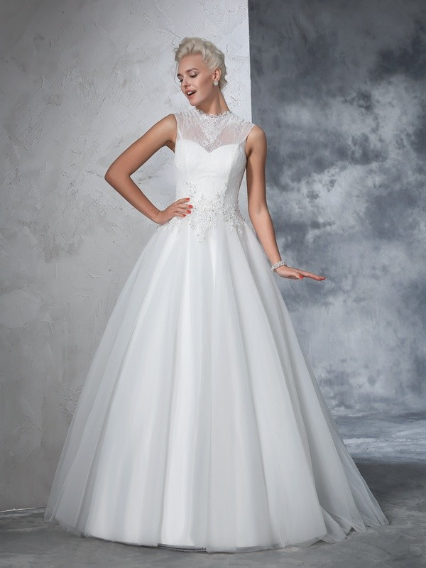 Ball Gown High Neck Sleeveless Long Net Wedding Dresses With Applique