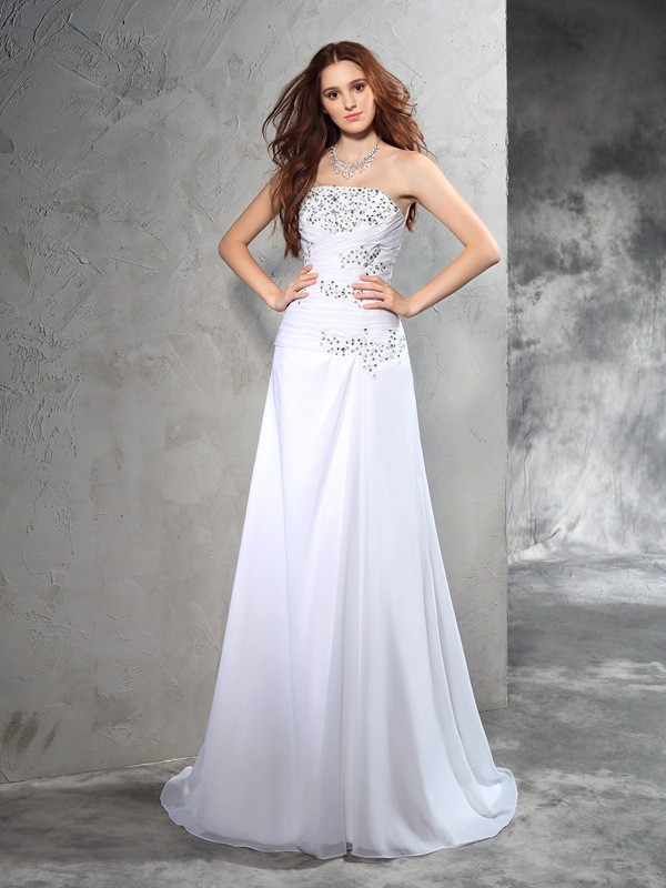 Sheath/Column Strapless Sleeveless Long Chiffon Wedding Dresses With Beading