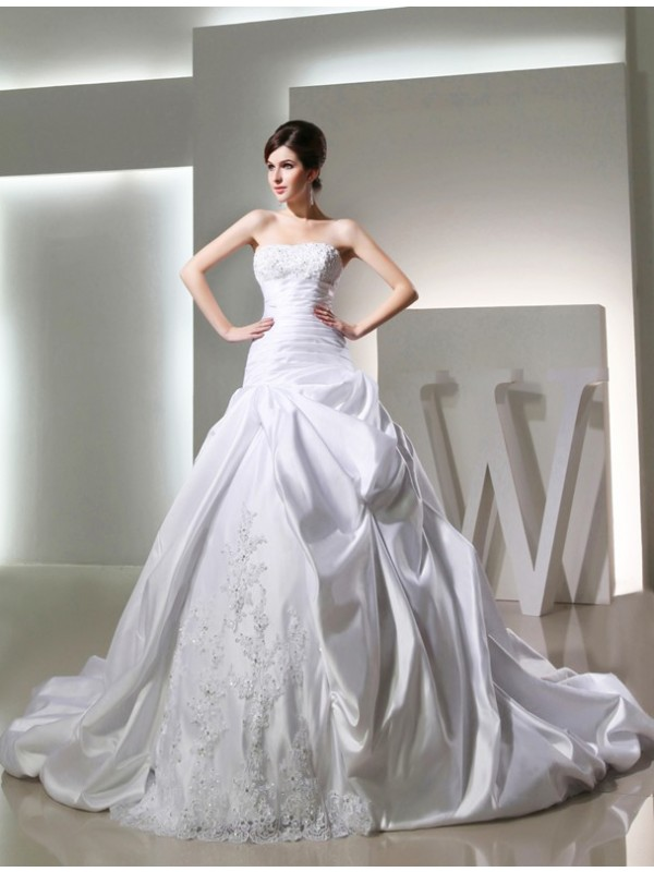 Ball Gown Long Satin Strapless Sleeveless Wedding Dresses With Beading