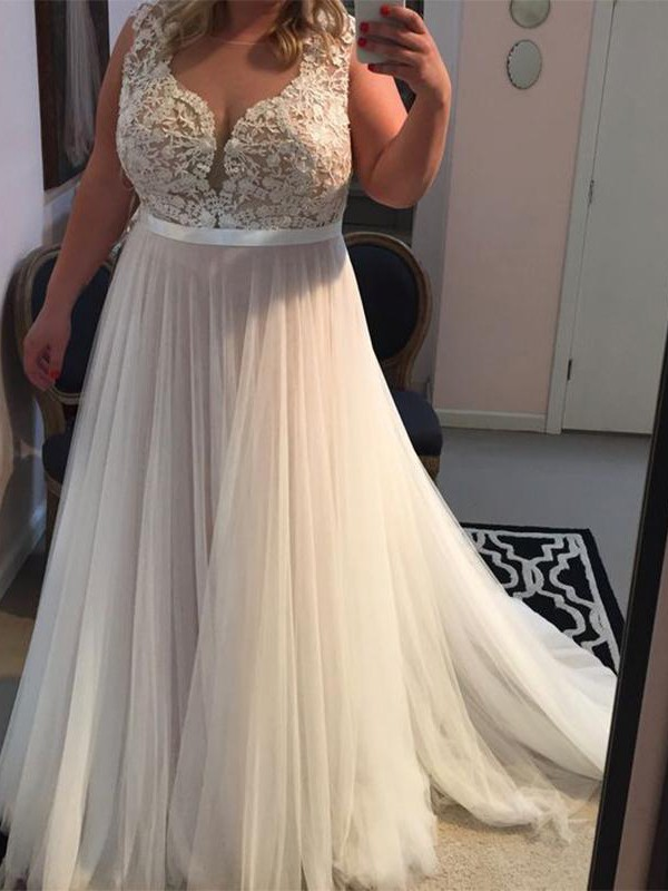 Sweep/Brush Train A-Line/Princess Straps Sleeveless Tulle Plus Size Dresses With Applique