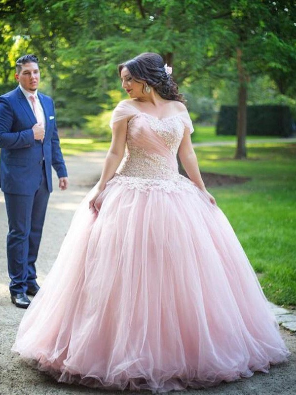 Ball Gown Off-the-Shoulder Sleeveless Floor-Length Tulle Plus Size Dresses With Applique