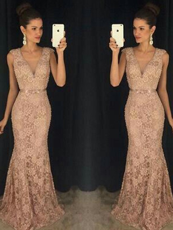 Stunning Trumpet/Mermaid Sleeveless V-neck Sweep/Brush Train Lace Dresses