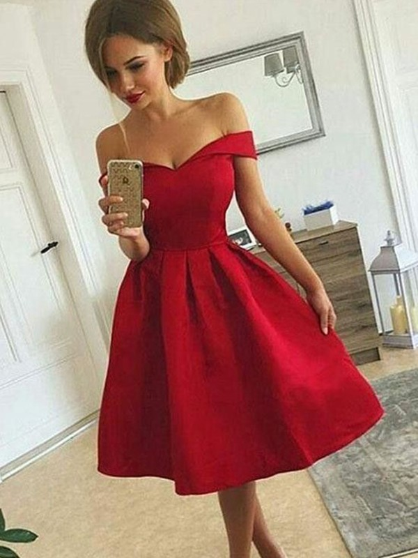 A-Line/Princess Off-the-Shoulder Sleeveless Satin Knee-length Dresses With Ruched