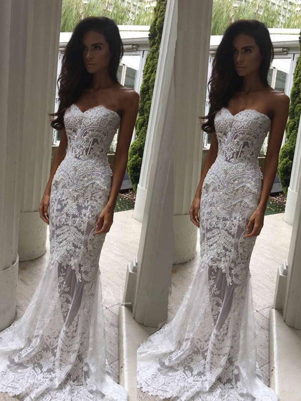 Trumpet/Mermaid Sleeveless Sweetheart Court Train Lace Wedding Dresses