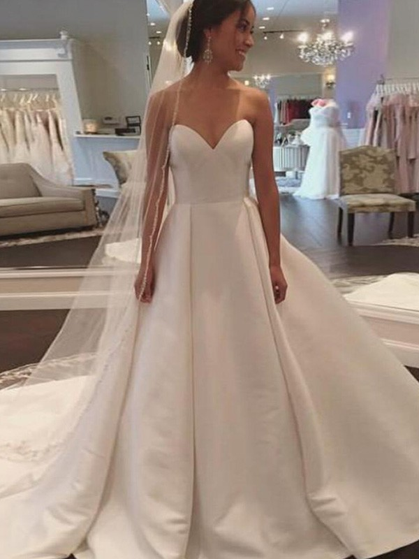 Stylish Ball Gown Sleeveless Sweetheart Satin Court Train Wedding Dresses