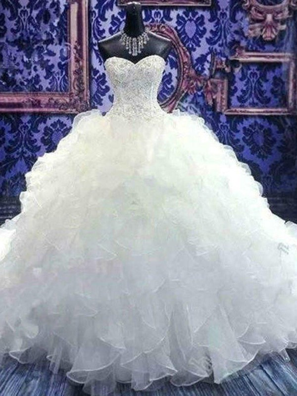 Ball Gown Sleeveless Sweetheart Chapel Train Organza Wedding Dresses