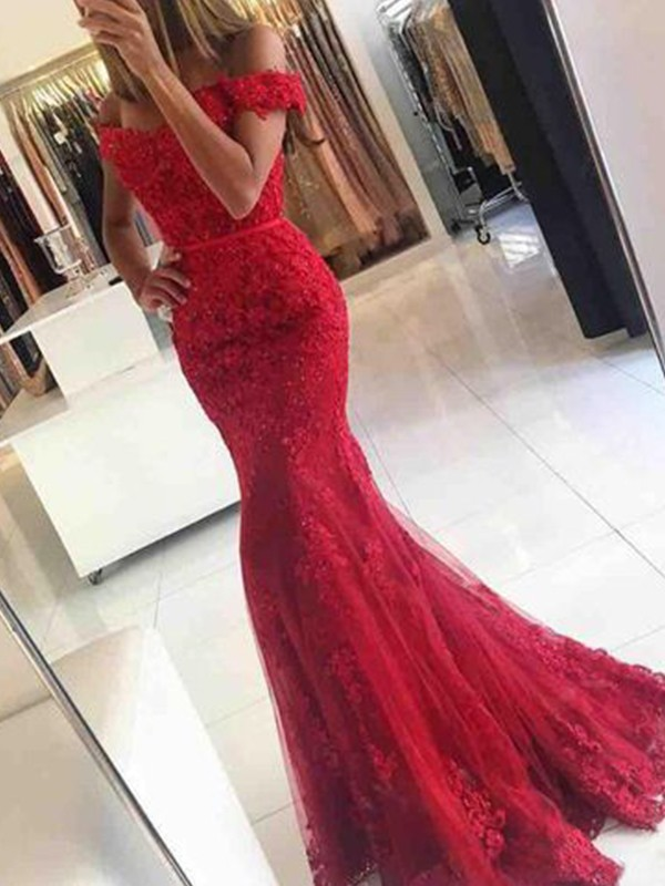 Lovely Trumpet/Mermaid Off-the-Shoulder Sleeveless Sweep/Brush Train Tulle Dresses