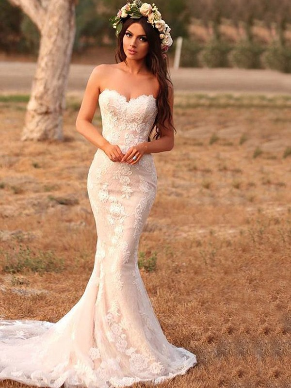Trumpet/Mermaid Sweetheart Sleeveless Lace With Applique Sweep/Brush Train Wedding Dresses