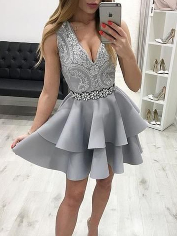 A-Line/Princess V-neck With Applique Sleeveless Satin Short/Mini Homecoming Dresses