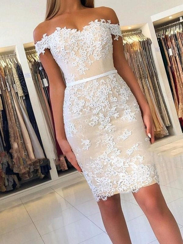 Sheath/Column Off-the-Shoulder Sleeveless Lace Short/Mini Homecoming Dresses With Applique
