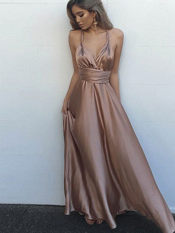 A-Line/Princess Spaghetti Straps Sleeveless Sash/Ribbon/Belt Silk Like Satin Long Dresses