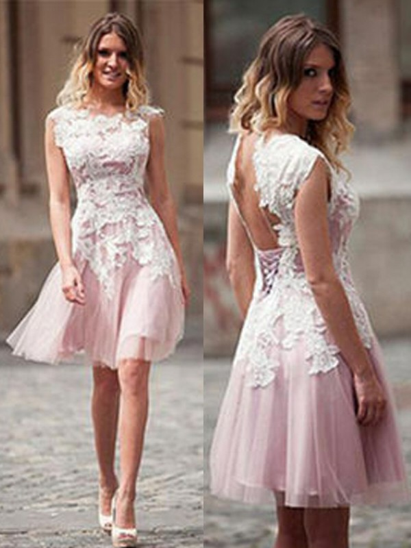 A-Line/Princess Scoop Tulle Sleeveless Short/Mini Dresses With Applique