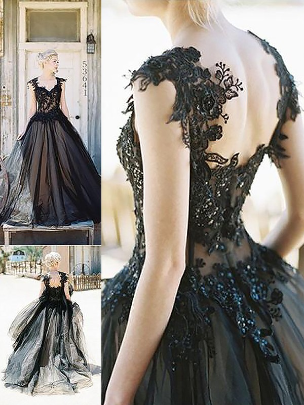 Sweep/Brush Train Ball Gown Sleeveless Sweetheart Lace Tulle Dresses