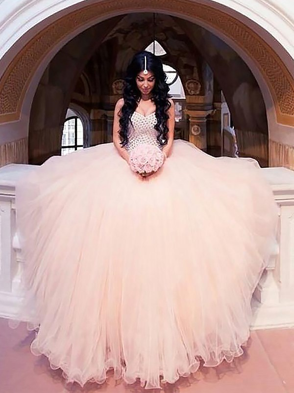 Stunning Ball Gown Sleeveless Sweetheart Sweep/Brush Train Tulle Wedding Dresses