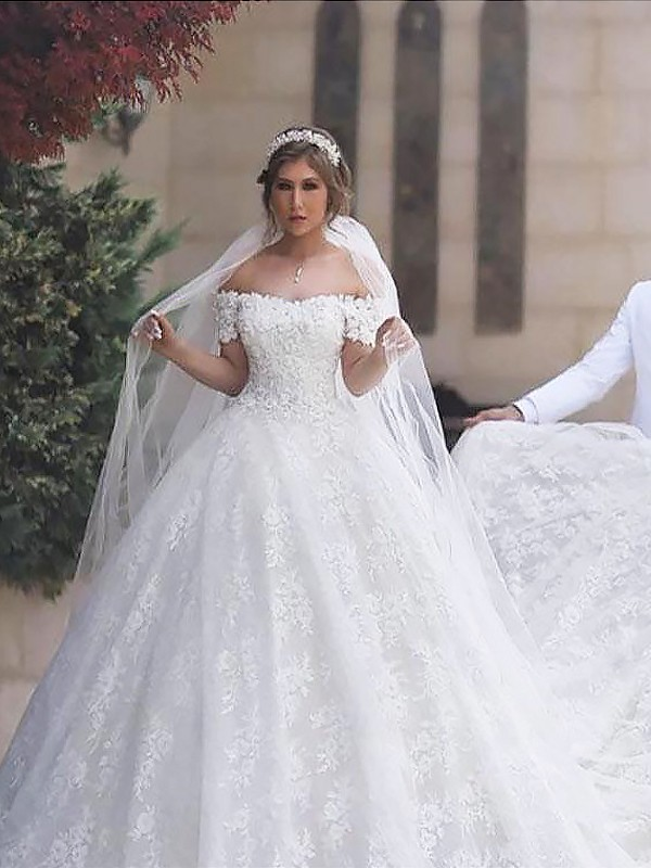 Ball Gown Short Sleeves Off-the-Shoulder Court Train Tulle Wedding Dresses