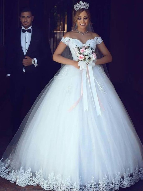 Ball Gown Off-the-Shoulder Sleeveless Floor-Length Tulle Wedding Dresses