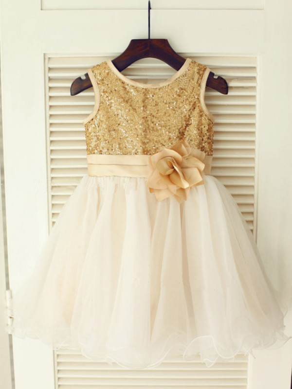 A-Line/Princess Scoop Sleeveless Knee-Length Sequin Organza Dresses