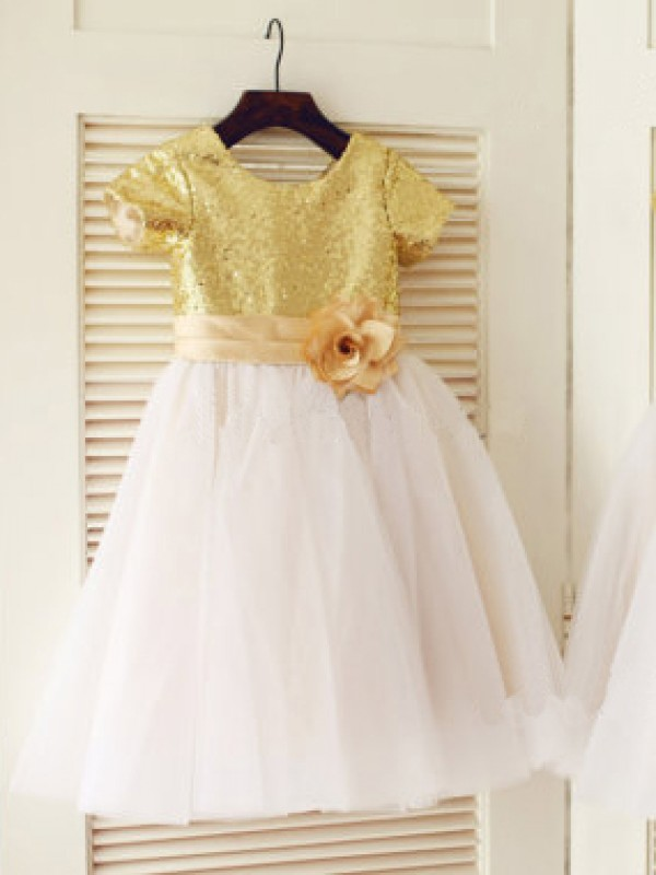 A-Line/Princess Scoop Short Sleeves Knee-Length Sequin Tulle Dresses