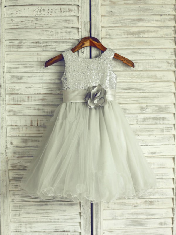 A-Line/Princess Scoop Sleeveless Knee-Length Hand-Made Flower Net Dresses